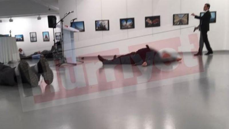 Ambasadorul Rusiei in Turcia, impuscat cand sustinea un discurs la o expozitie de arta!