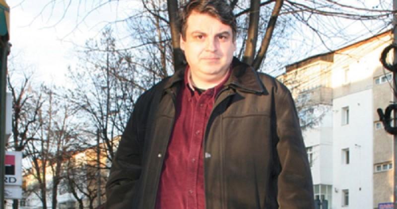 Profesorul Băleanu se vrea director al Teatrului Eminescu