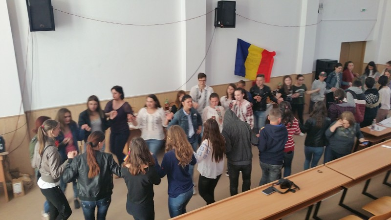 """Romania - Te iubesc!"", la Liceul ""Demostene Botez"" Trusesti! FOTO"