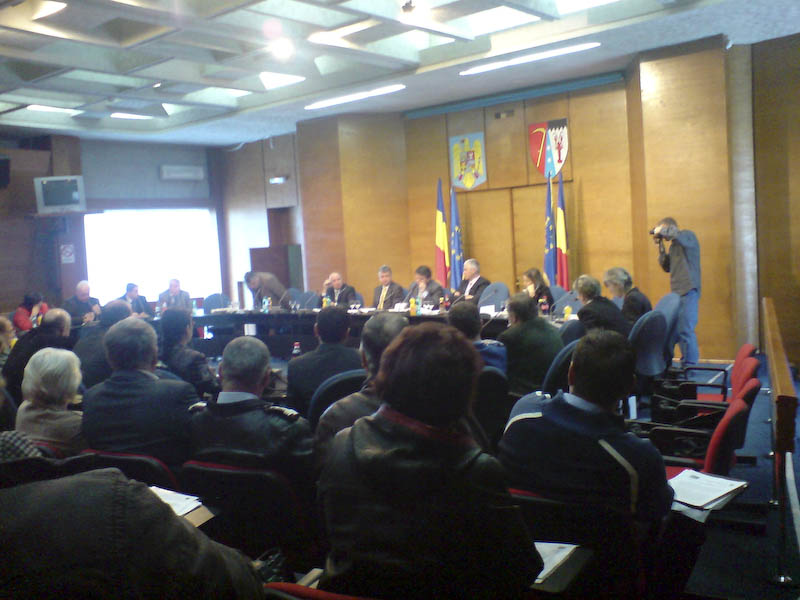 Scandal in Consiliul Judetean: Contac il acuza pe Tabuleac, pedelistii solicita demisia conducerii DJDP