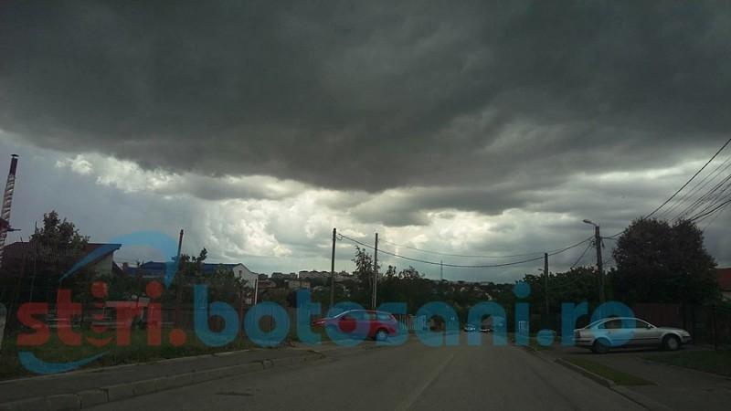 Un nou Cod Galben de furtună pentru mai multe localități din județul Botoșani!