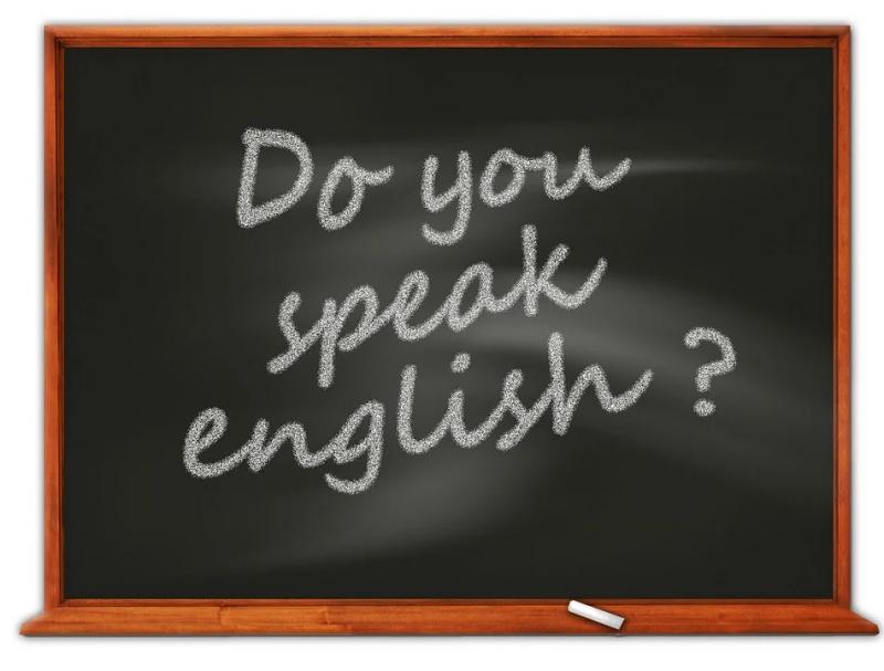 10 cuvinte din engleză, folosite excesiv de români! Ce înseamnă și care este originea lor?