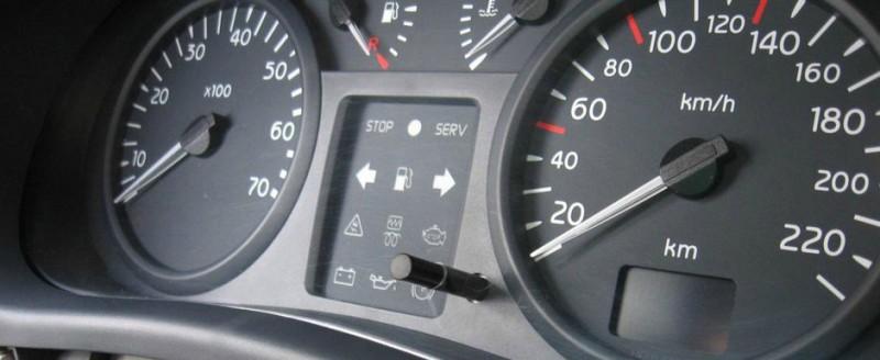 10 martori de bord care îți pot arăta o problemă gravă la mașina ta!