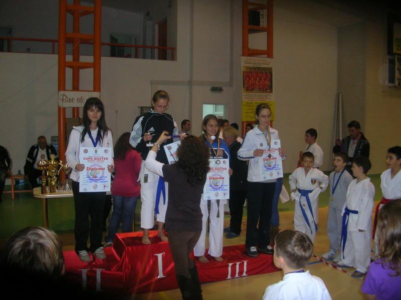 11 medalii pentru karatistii de la Pamphil Center
