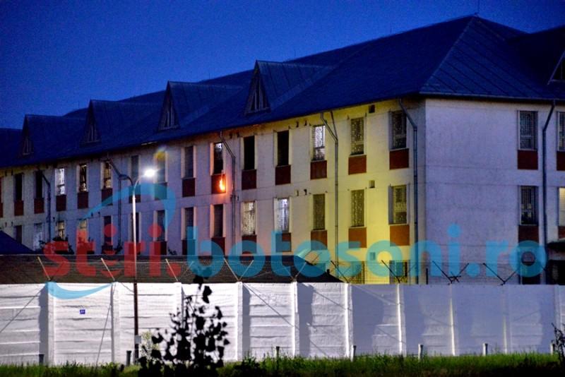 14 deţinuţi eliberaţi din Penitenciarul Botoşani din cauza condiţiilor proaste. Peste 150 ar putea ieşi cât de curând!