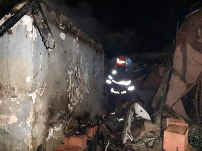 14 familii păgubite de incendii, în acest weekend