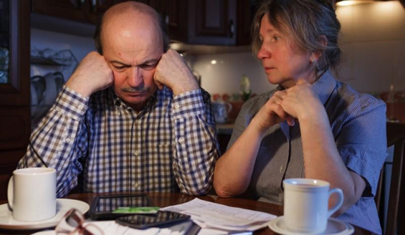 15% din români nu au bani să-și plătească la timp facturile. Cei mai conştiincioşi sunt pensionarii, iar cel mai greu este pentru familiile cu copii