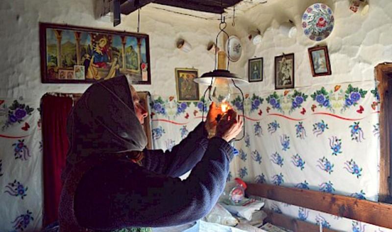 150 de familii nevoiașe de la Botoșani vor fi sprijinite cu pachete alimentare, articole de îmbrăcăminte și încălțăminte de Crucea Roșie