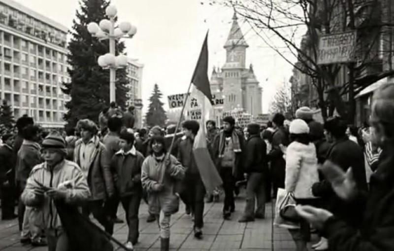 """18 decembrie 1989. Elena Ceaușescu ordonă: """"Trageți cu tunul în Catedrală, să terminați odată cu ea!"""""""