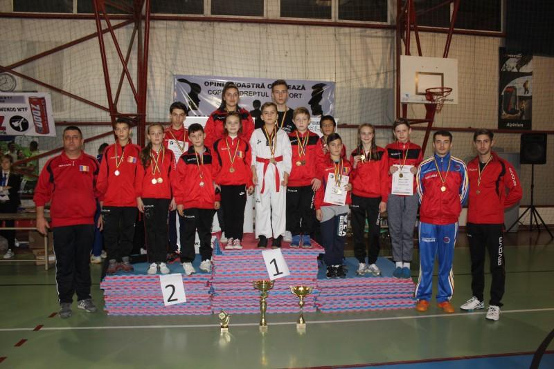 19 medalii obtinute de sportivii botosaneni de la Brilliant Taekwondo - FOTO