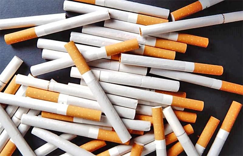 20 de pachete de țigări fără acte i-au adus unui comerciant acuzația de contrabandă!