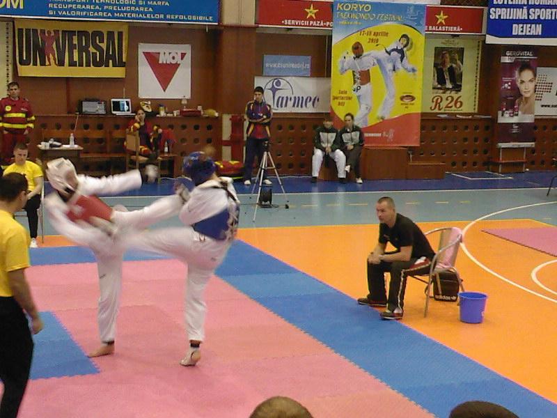20 de sportivi, 22 de medalii la Koryo Taekwondo Festival! - FOTO