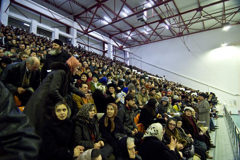 2000 pentru Botosani! - Biserica Ortodoxa in impas! - VIDEO