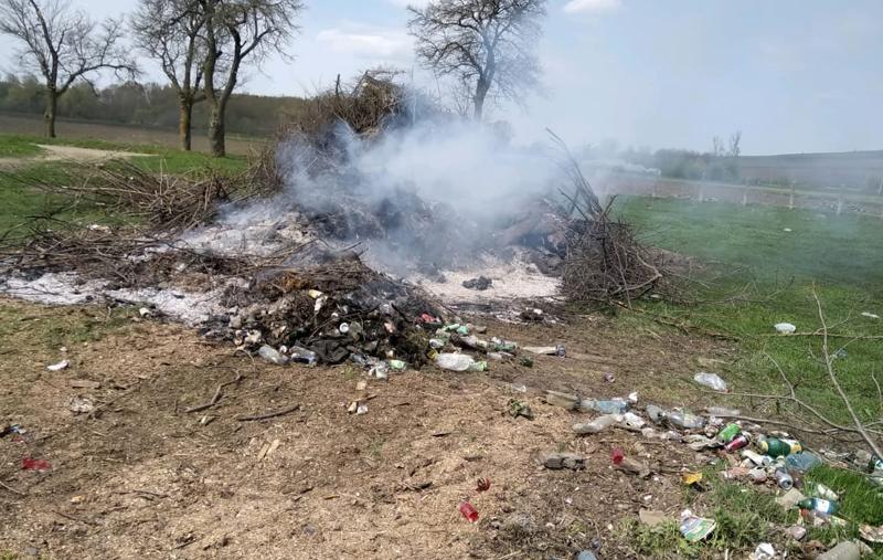 20.000 lei amendă la Corni pentru incendierea deșeurilor