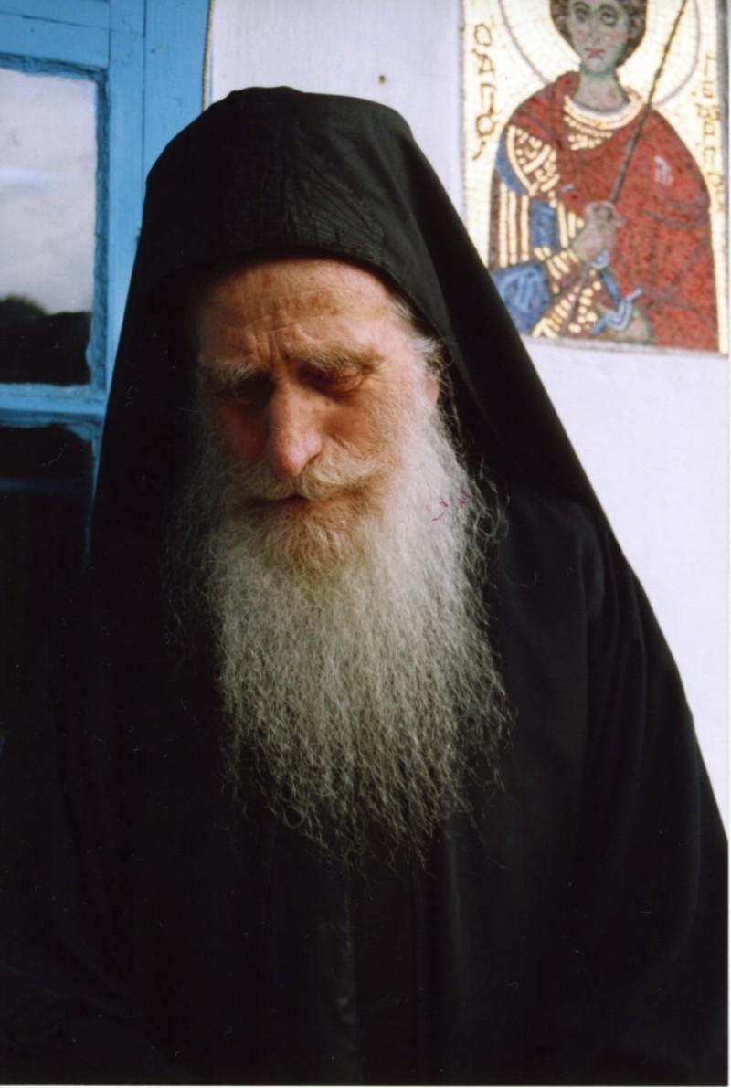22 septembrie: Parintele Dionisie Ignat - Amintirea duhovnicului botosanean de la Sfantul Munte!