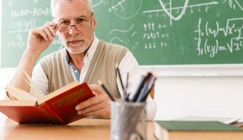 25% dintre profesori sunt vulnerabili în fața noului coronavirus. Sindicatele spun că o parte din ei vor să se retragă din învățământ