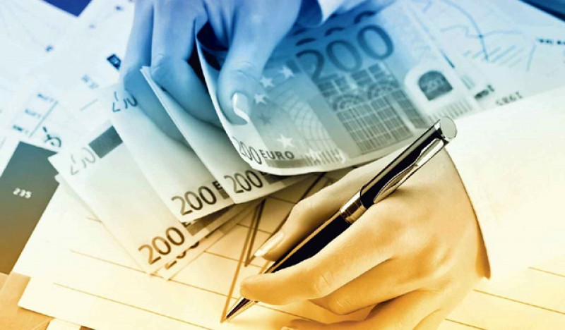 270.000 de români au cerut amânarea plății ratelor bancare