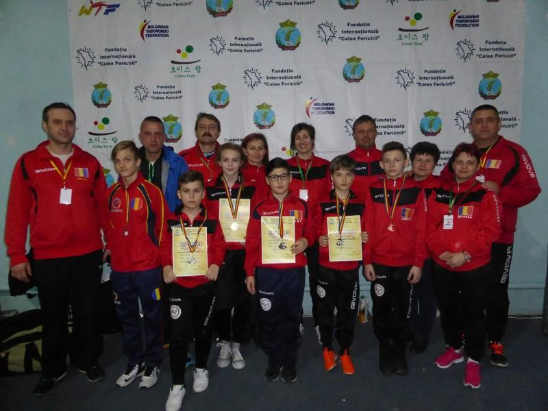 30 de medalii obtinute de Brilliant Taekwondo, in Bistrita si Republica Moldova - FOTO