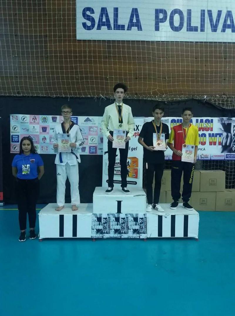 31 de medalii câștigate de Clubul Sportiv Real Taekwondo Team din Botoșani, la Cupa Iași! FOTO