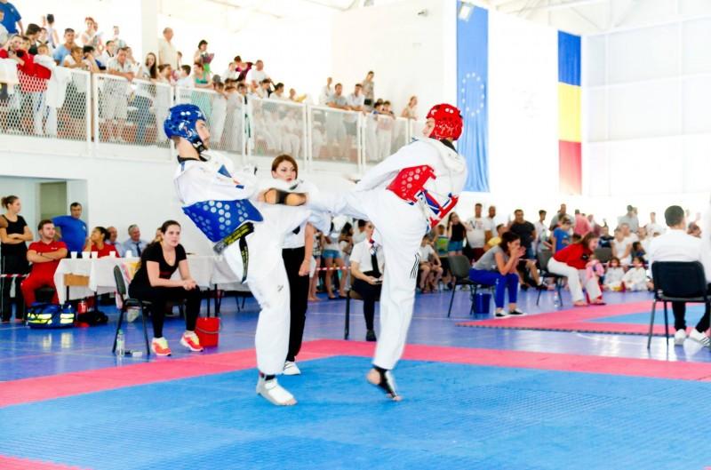 31 de medalii şi 4 trofee, obţinute de Brilliant Taekwondo Sporting Club la Cupa Lifestyle!
