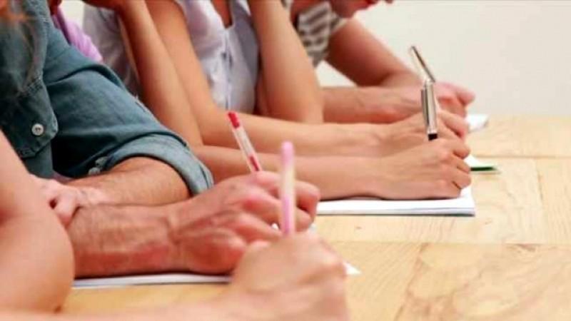 514 candidaţi au fost prezenți astăzi la examenul de Titularizare de la Botoșani. Un profesor a fost eliminat pentru tentativă de fraudă