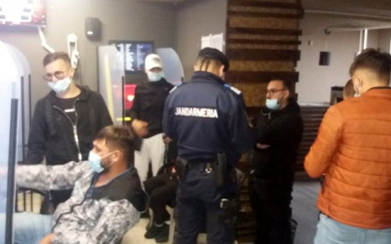 55 de amenzi aplicate de jandarmi pentru nerespectarea măsurilor de protecție sanitară la Botoșani