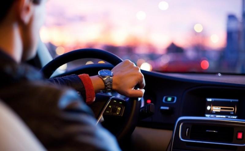 70% dintre români consideră mașina personală cel mai sigur mijloc de transport în pandemie
