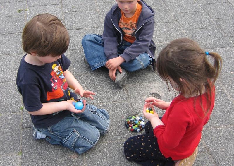 """80% dintre copiii din Registrul Național pentru Adopții sunt încadrați la profilul """"greu adoptabili"""""""