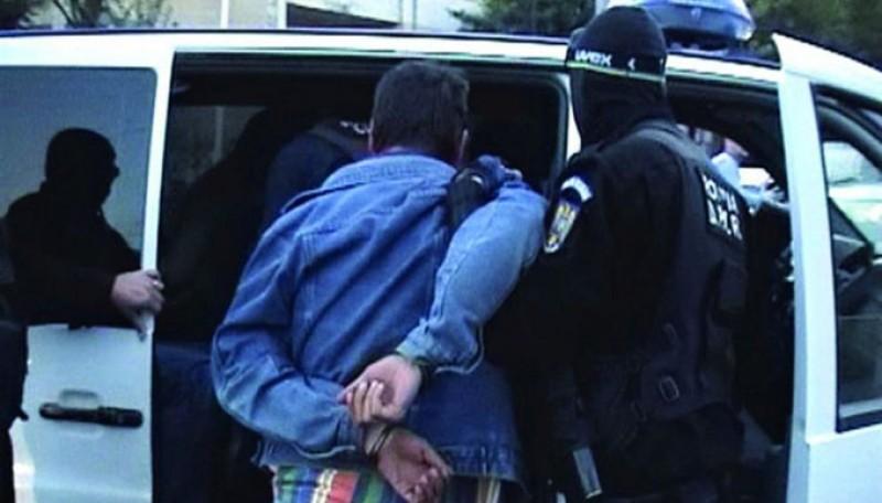 9 persoane reținute în Botoșani și celelalte județe ale Moldovei după acțiunea de destructurare a unei rețele organizate de contrabandă cu țigări!
