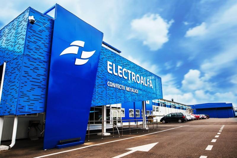 (A) Fabrica de Confecții Metalice Electroalfa oferă oportunități de lucru în domeniul producției, într-un mediu de lucru sigur și modern