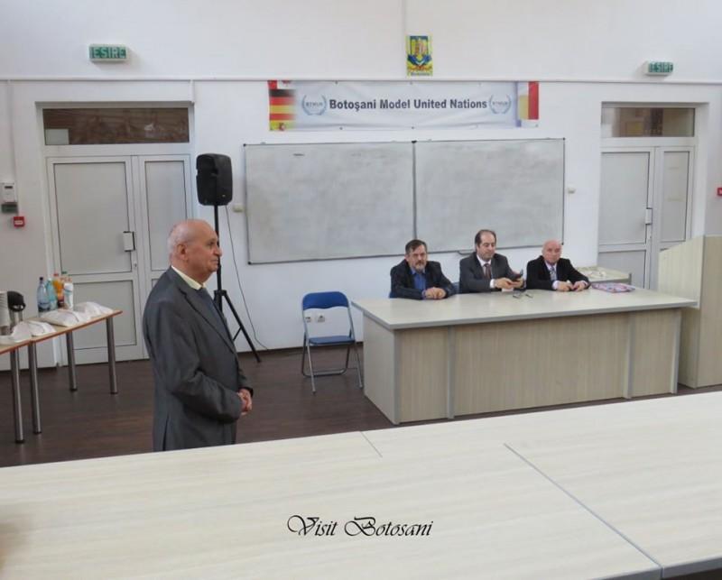 """A fost lansat primul """"Dicționar Geografic Enciclopedic"""" al județului Botoșani: """"12 ani de muncă, dintre care patru au fost petrecuți în arhivele statului"""""""