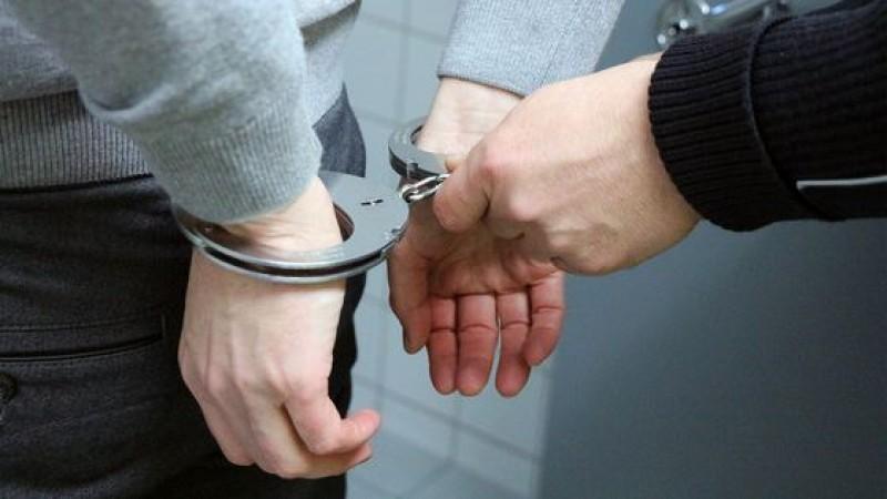 A fost reținut botoșăneanul care i-a furat unei bătrâne banii de pensie!