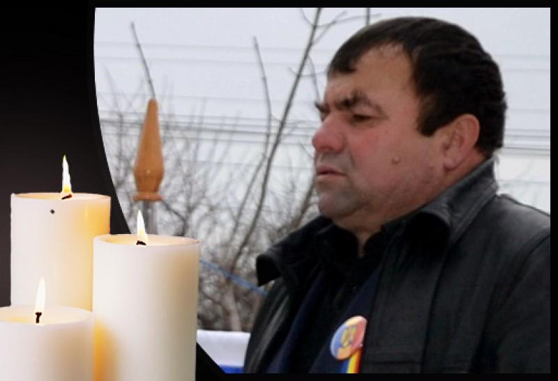 """A plecat în veşnicie la doar 55 de ani: Parcă-mi văd colegii de odinioară, zâmbind și strigând către ceilalți """"a venit Costică Moroșanu!"""""""