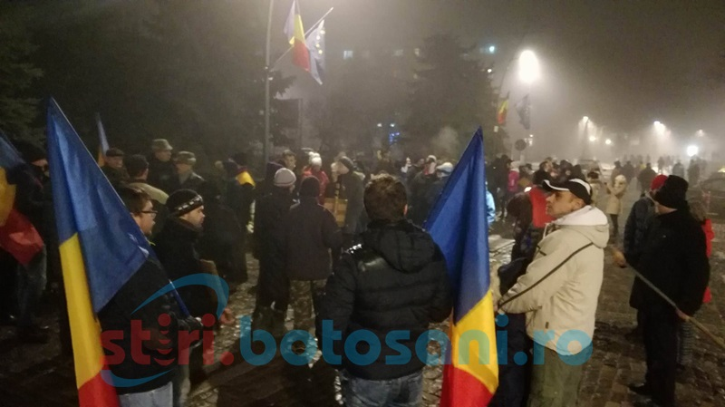 A şasea seară de proteste la Botoşani. Noi revendicări ale protestatarilor! FOTO- VIDEO