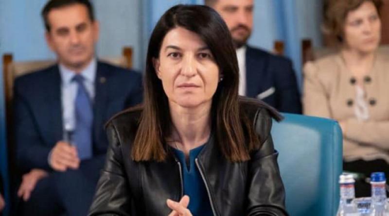 """A trebuit să scoată """"parul"""", dar s-a putut! Ministrul Violeta Alexandru: Poșta a livrat deja aproape jumătate din pensii!"""