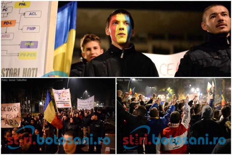 """A treia seară de proteste la Botoşani! """"Nu mai vrem partide, corupţia ucide"""" FOTO"""