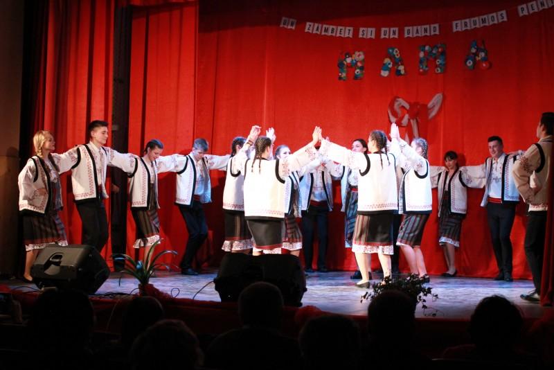 """A XV-a ediție a spectacolului """"Un zâmbet și un gând frumos pentru mama"""", la Dorohoi! FOTO"""