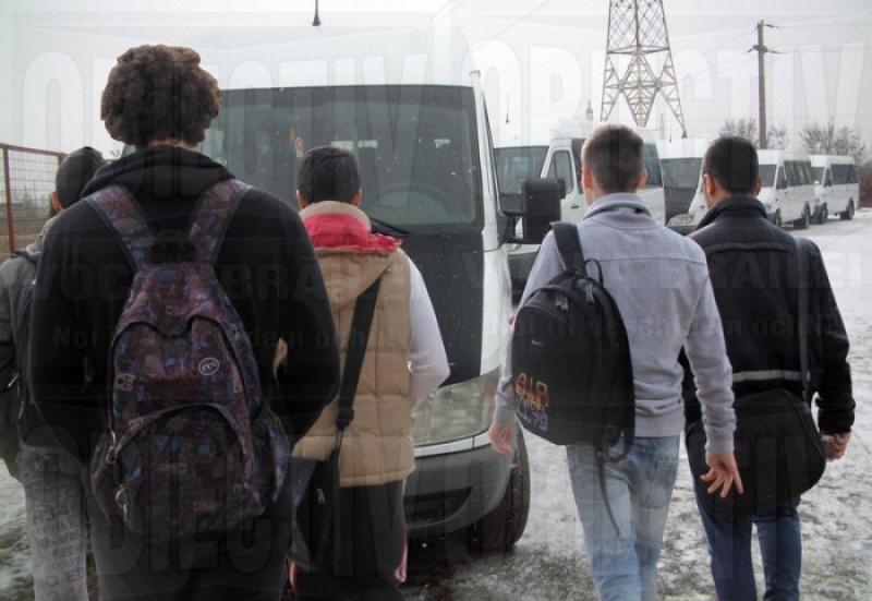 """Profesor botoșănean, despre naveta elevilor: """"Se va ajunge la un blocaj!"""""""