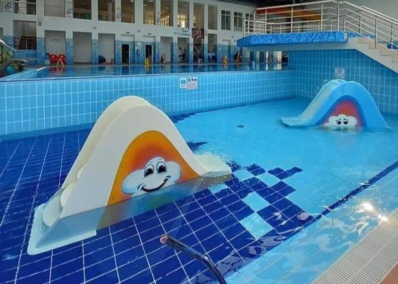 Accesul la piscina de la Cornișa este restricționat. Cum vor intra copiii cu vârsta între 6 și 12 ani