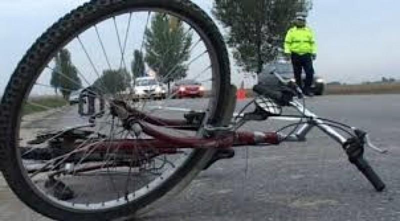 ACCIDENT: Biciclist pus la pământ de un șofer neatent!