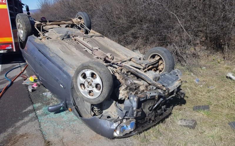 Accident ciudat la Răuseni. Ieri, un șofer de 72 de ani a pierdut controlul volanului și s-a răsturnat!