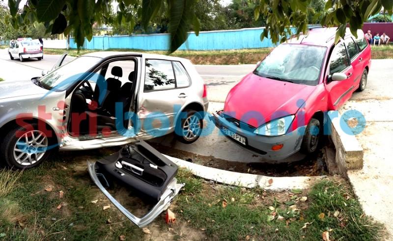 Accident cu întârziere! Un bărbat a ajuns la spital, după ce două mașini s-au ciocnit la Bălușeni! FOTO