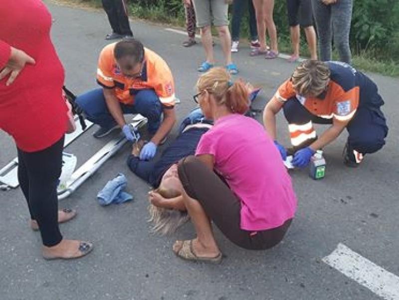 Accident cu semne de întrebare pe un drum comunal: roata unui faeton a trecut peste trupul unei tinere