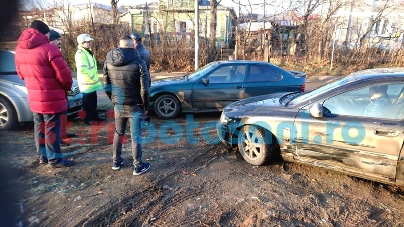 ACCIDENT cu trei mașini, la ieșirea din municipiul Botoșani spre Curtești! FOTO