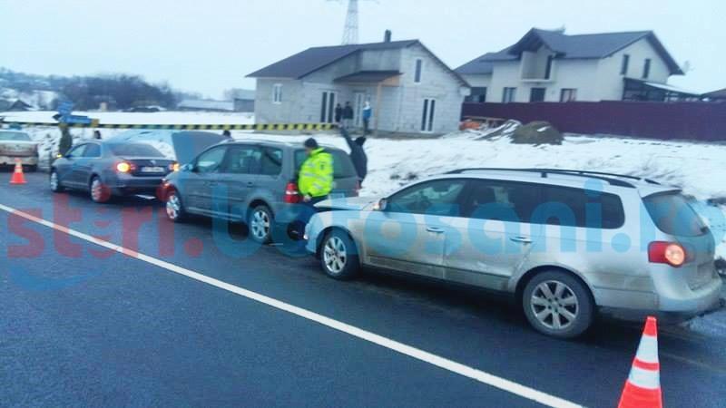 Accident cu trei mașini pe drumul Botoșani-Suceava! O fetiță a fost rănită! FOTO