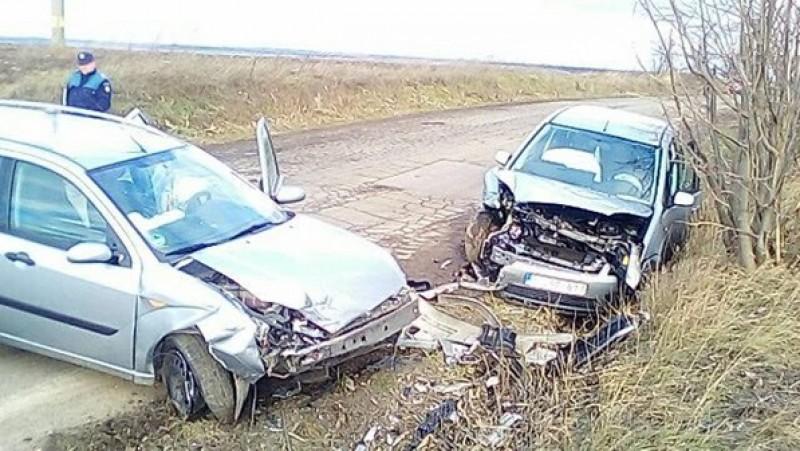 Accident cu victimă după impactul frontal dintre două autoturisme! FOTO