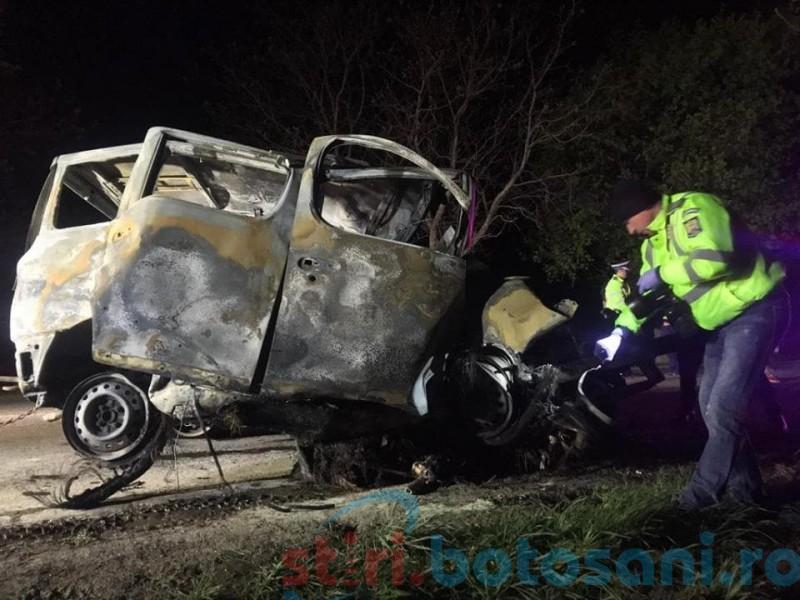 Accident cumplit: Un bărbat a murit carbonizat în propria mașină! FOTO