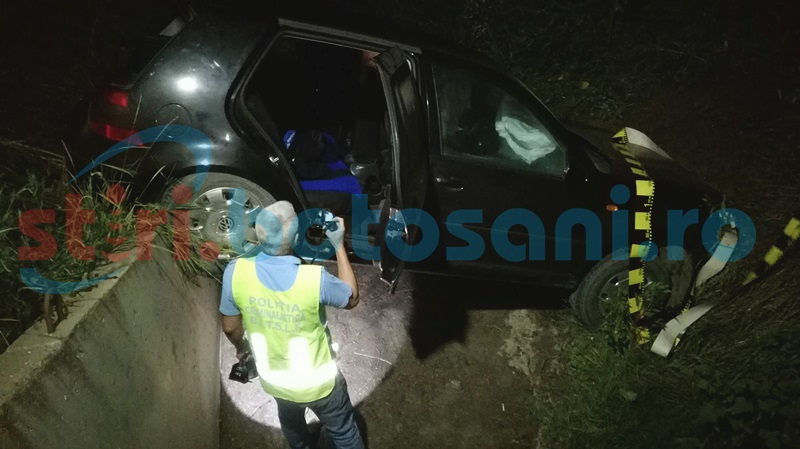 Maşină condusă de un şofer de 19 ani, ajunsă sub un pod! Mama şi fratele tânărului au fost răniţi! FOTO