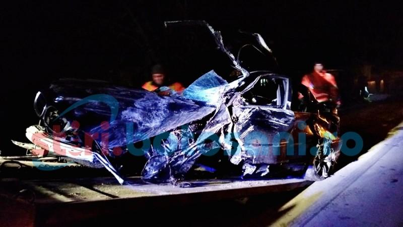 Accident grav! Bărbat încarcerat între fiare, după ce s-a dat cu BMW-ul peste cap! FOTO, VIDEO