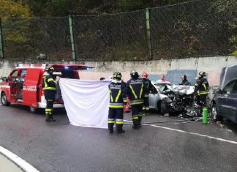 Accident grav în Italia, produs de un șofer român: Cinci răniți, printre care doi copii